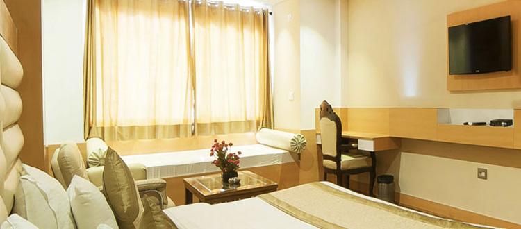 premium hotel bedroom