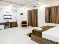 hotel bedroom kharadi